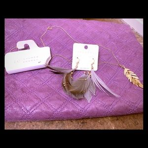 Jewelry - NWT Bundle Of 2- Feathery Necklace and Eatings.